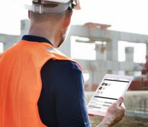 fulcrum on tablet at construction site